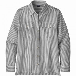 Patagonia Lightweight A/C Buttondown Women's